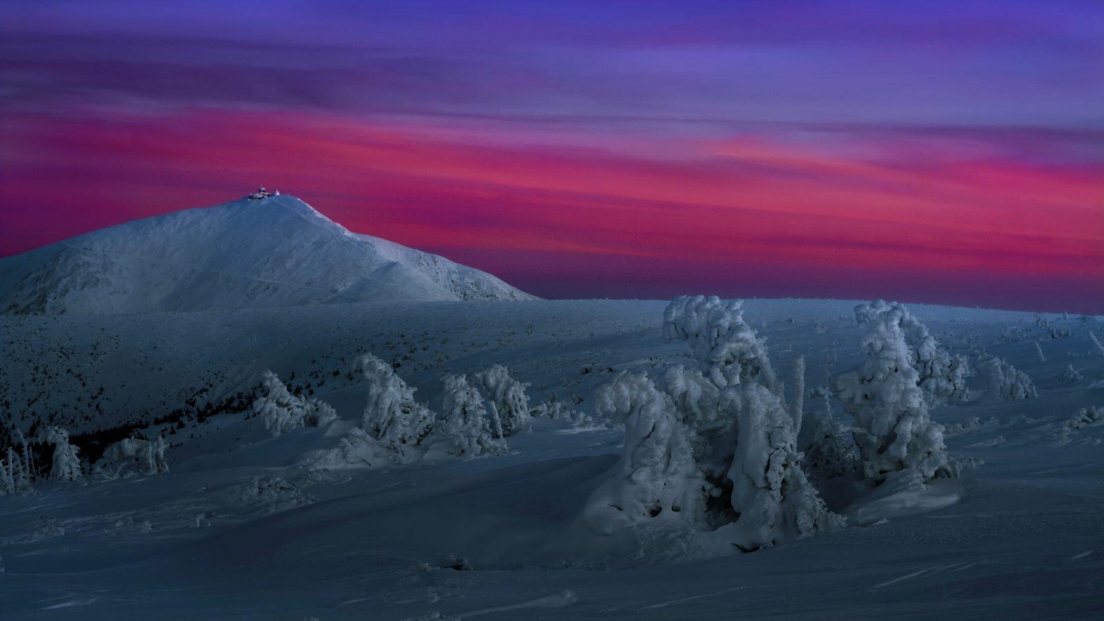 Preludium długiej zimowej nocy PodŚnieżką, Karkonosze fot.Krzysztof Romańczukiewicz www.fotoPort.pl