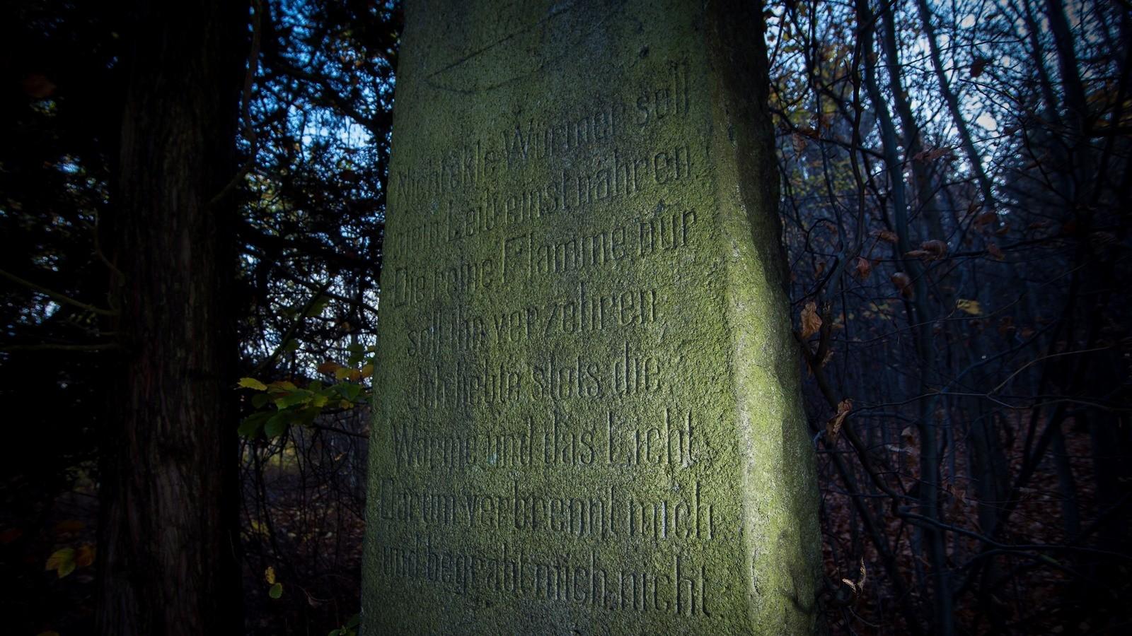 Cmentarz czcicieli światła wSzklarskiej Porebie